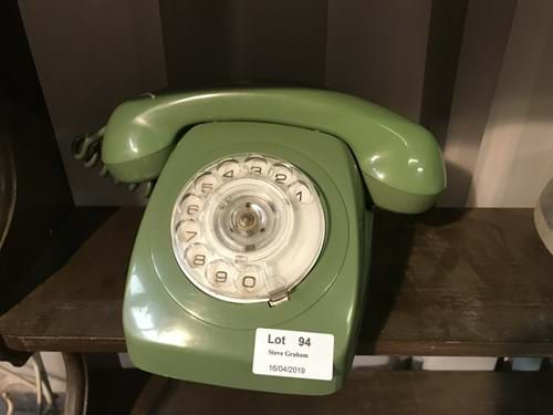 LOT 94	~	Green Dial Front Telephone