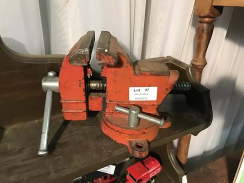 LOT 97	~	Small Red Table Vice