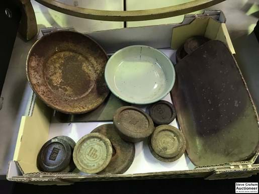 LOT 110	~	Box of Weights & Tray