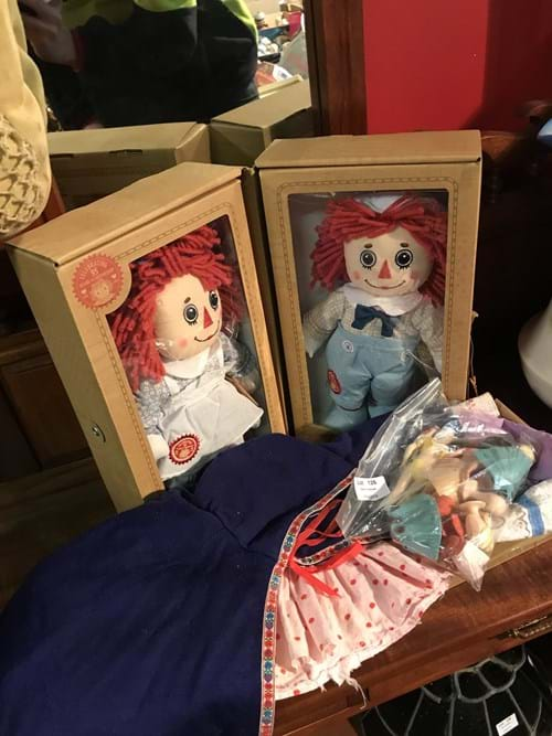 LOT 126	~	Raggady Anne & Andy Dolls Celebrating 95 Years of Friendship & Vintage Dolls + Clothes