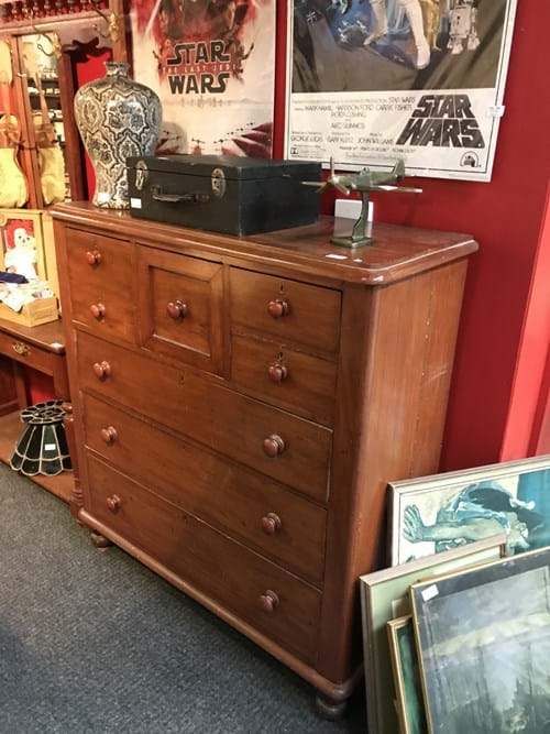 LOT 133	~	Edwardian Cedar 6 Drawer Tallboy