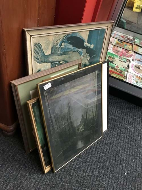 LOT 135	~	Asstd Paintings & Prints
