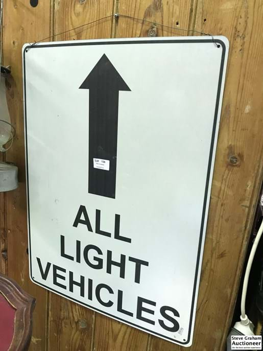 LOT 136	~	'All Light Vehicles' Sign