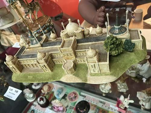 LOT 149	~	Lilliput Lane 'Royal Pavillion' Handmade Model Building in Original Box
