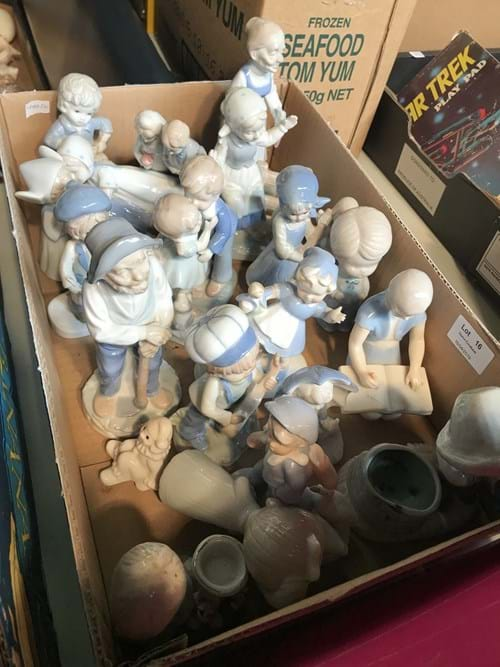 LOT 16	~	Box of Girls & Boy Figures