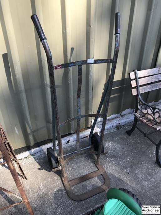 LOT 17	~	Kelso Hand Truck