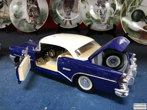 LOT 127	~	1955 Buick Century 1:18 Scale Model Die Cast - Mira