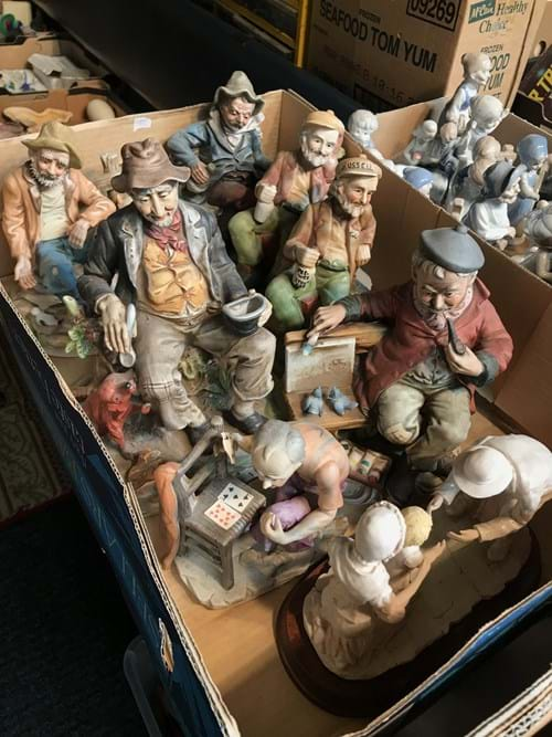LOT 17	~	Box of Figurines