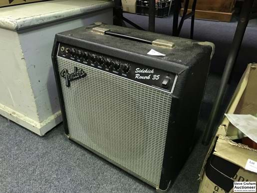 LOT 153	~	Fender Amp w Guitar Leads, Pedal