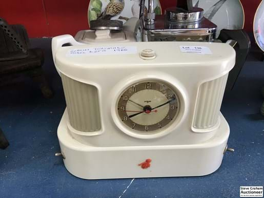 LOT 136	~	1960's Goblin Teasmade - complete