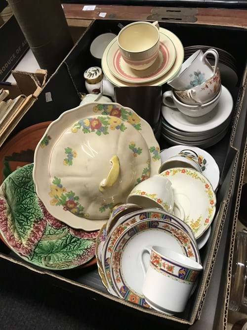 LOT 2	~	Box of China
