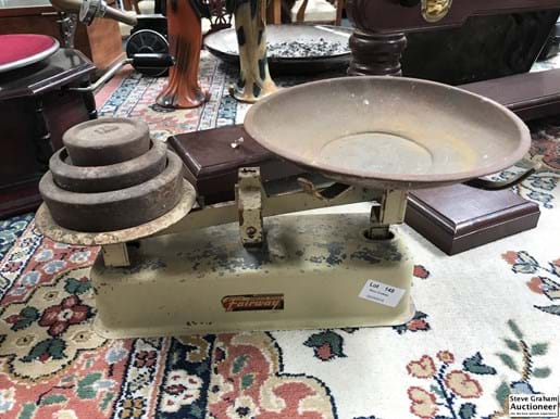 LOT 149	~	Fairway Domestic Scales w Weights