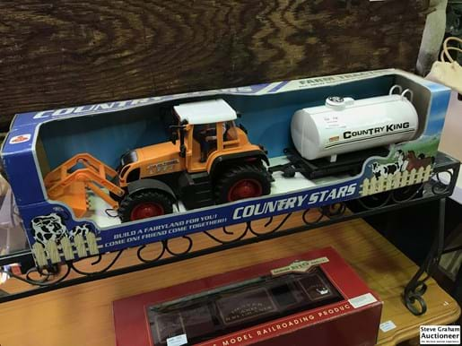 LOT 174	~	Country Stars Toy FEL Tractor & Tanker on Trailer