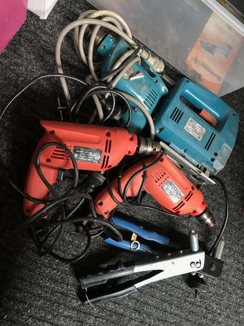 LOT 20	~	Box of Power Tools