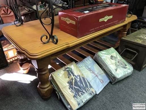 LOT 179	~	Pine Coffee Table