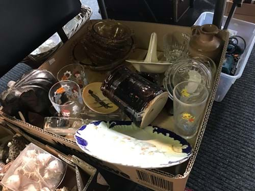 LOT 21	~	Box of China & Glass