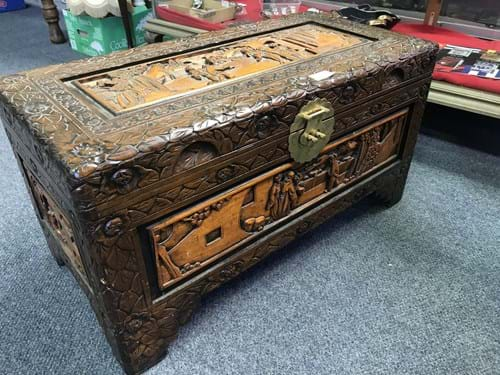 LOT 186	~	Carved Asian Camphourwood Chest