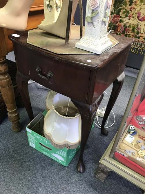 LOT 189	~	Cabriole Leg Bedside Table