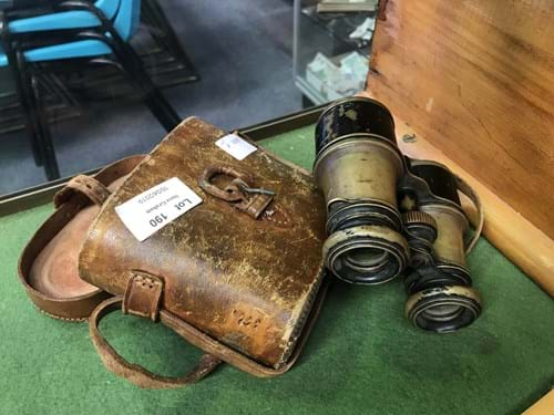 LOT 190	~	Pair of Antique WW1 Binoculars in Case