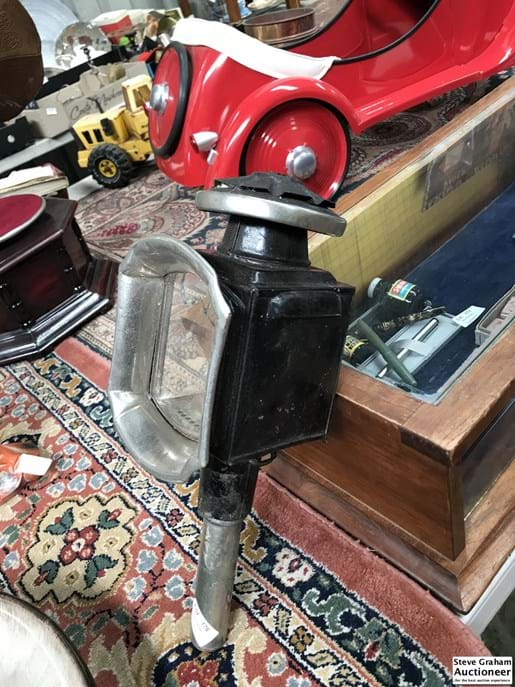 LOT 176	~	Antique Buggy Lamp (af to glass)