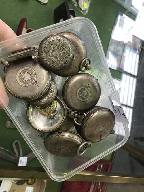 LOT 194	~	Tray of Pocket Watch Cases