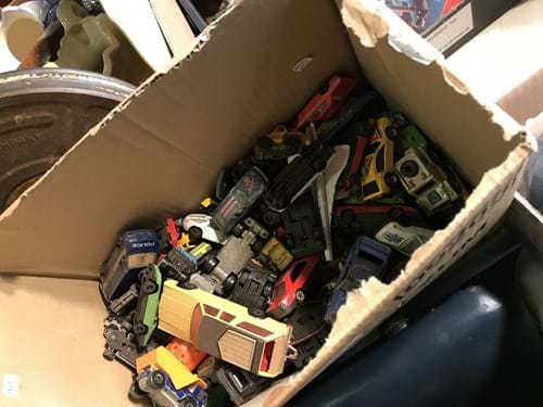 LOT 24	~	Box of Die Cast Cars