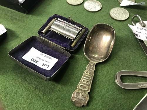 LOT 200	~	Robur Tea Spoon & Travel Razor in Case