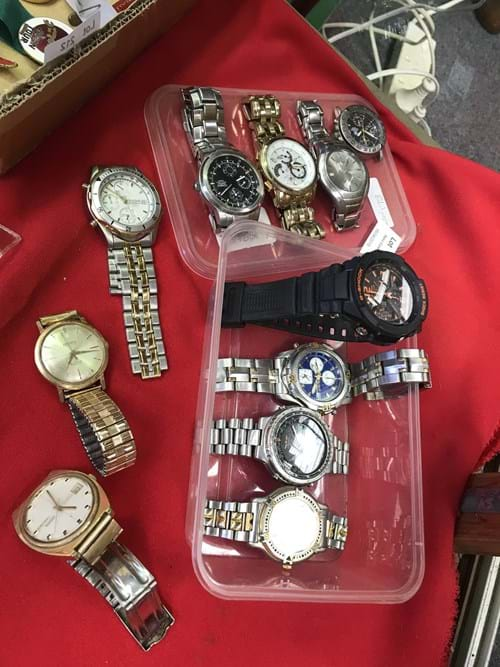 LOT 211	~	Tray of Assorted Watches