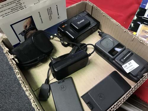 LOT 217	~	Box of Motorola Mobile Phone w Accessories & 2 Cameras
