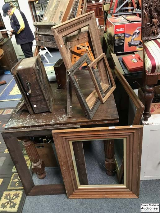 LOT 250	~	6 x Large Picture Frames