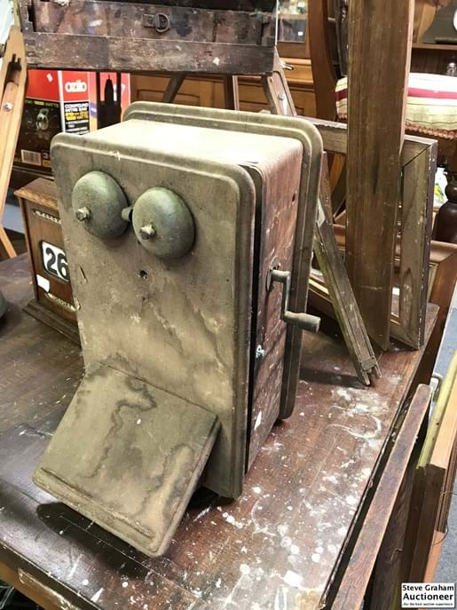 LOT 252	~	Restorers Timber Cased Telephone c1920's