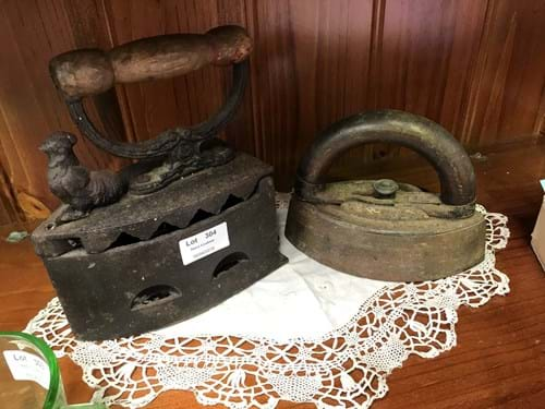LOT 304	~	Cast Iron Coal Iron & Mrs Potts Iron