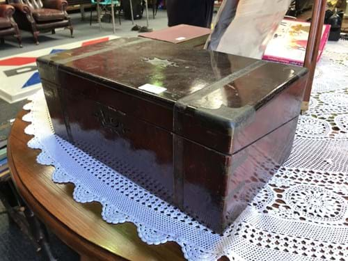 LOT 316	~	Restorers Mid 1800's Writing Box
