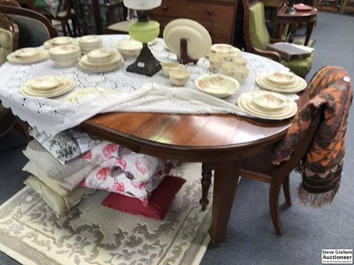 LOT 348	~	1920's Blackwood Dining Table With 2 Leaf Extensions