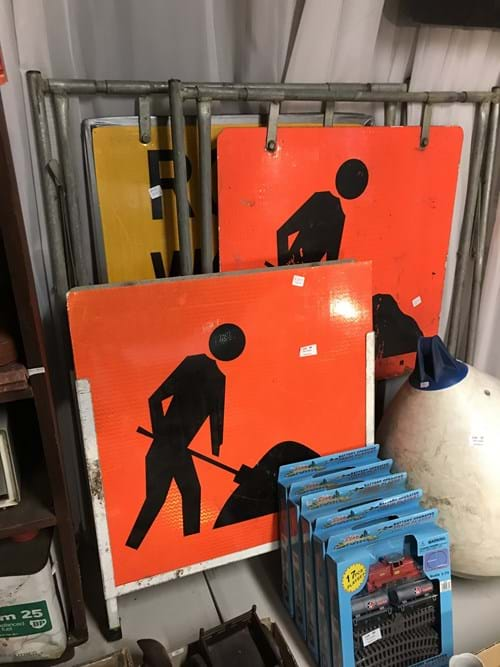 LOT 38	~	3 Roadworks Signs