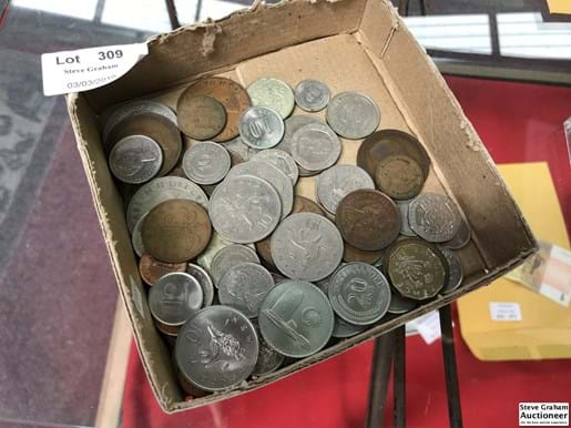 LOT 309	~	Tray of Assorted World Coins