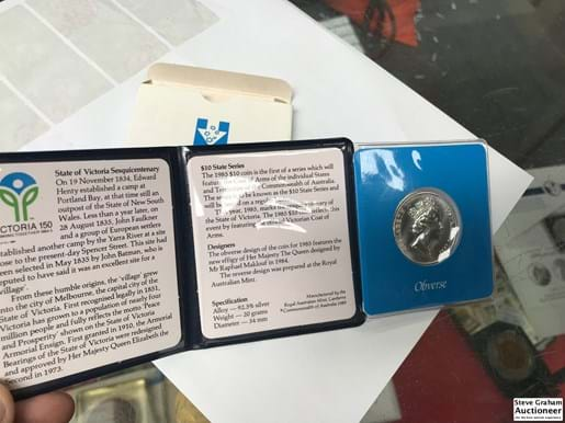 LOT 320	~	1985 $10 Silver Proof Coin -State Series Victoria