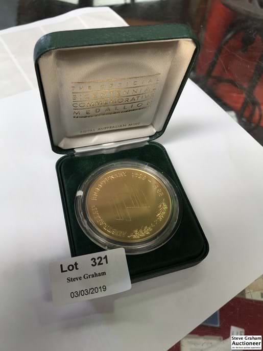 LOT 321	~	1988 Official Bicentennial Commemorative Medallion - Gold Plated