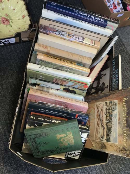 LOT 351	~	Box of Australiana Books
