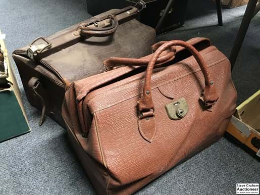 LOT 53	~	Gladstone Bag & Other