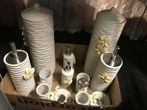 LOT 59	~	Floral Ceramic Bathroom Sets