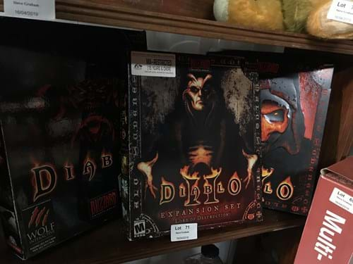 LOT 71	~	3 Diablo Boxed Computer Games