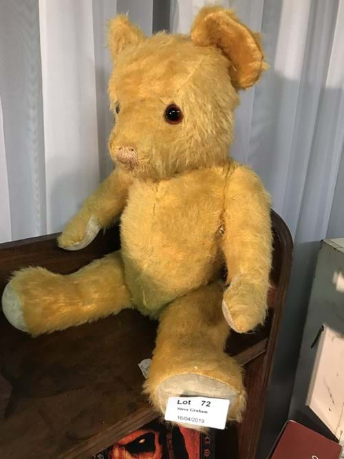 LOT 72	~	1960's English Jointed Teddy with Glass Eyes