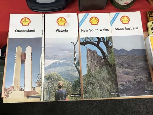 LOT 4	~	4 x Shell Road Maps