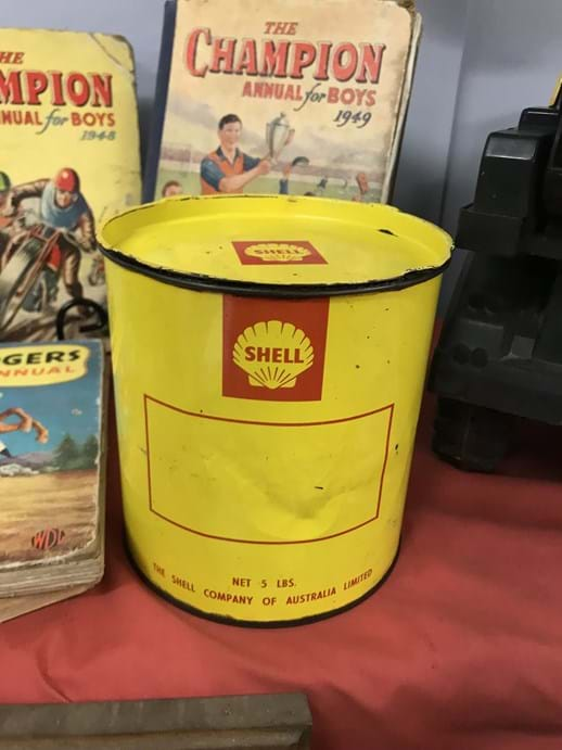 LOT 7	~	Shell 5lb Grease Tin - with contents