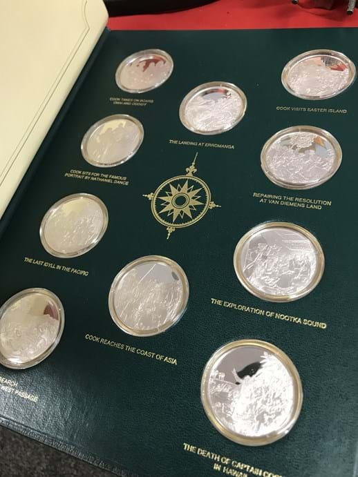 LOT 17	~	The Voyages of Captain James Cook 20 Silver Coin Set