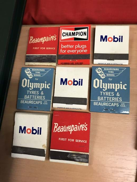 LOT 21	~	8 x Vintage Matchbooks incl Mobil, Olympic, Beaurepairs, Champion