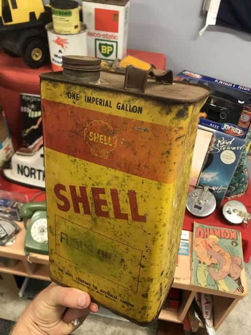 LOT 23	~	Shell 'Fusus Oil A' One Gallon Tin