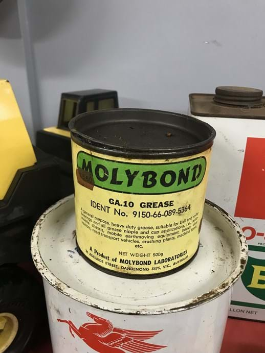 LOT 26	~	Molybond 500g Grease Tin w Contents
