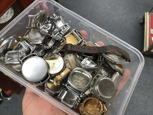 LOT 139	~	Tray of Vintage Watches